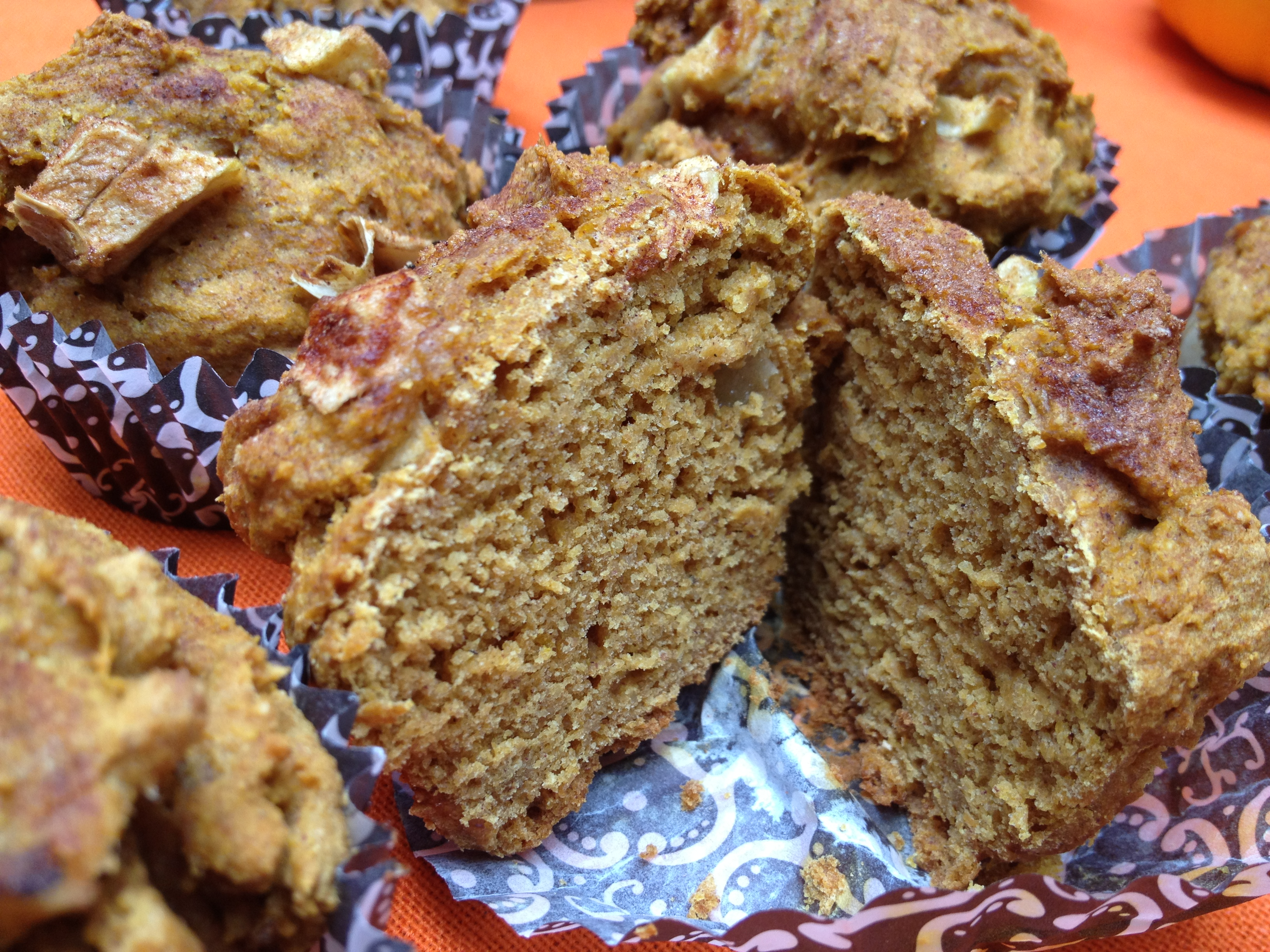 Pumpkin Apple Streusel Muffins | MoniMeals
