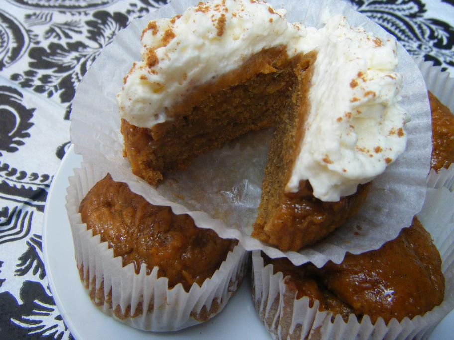 'Two Ingredient' Pumpkin Muffins