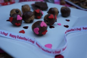 VDAY Moni Cashew Cookie Chews