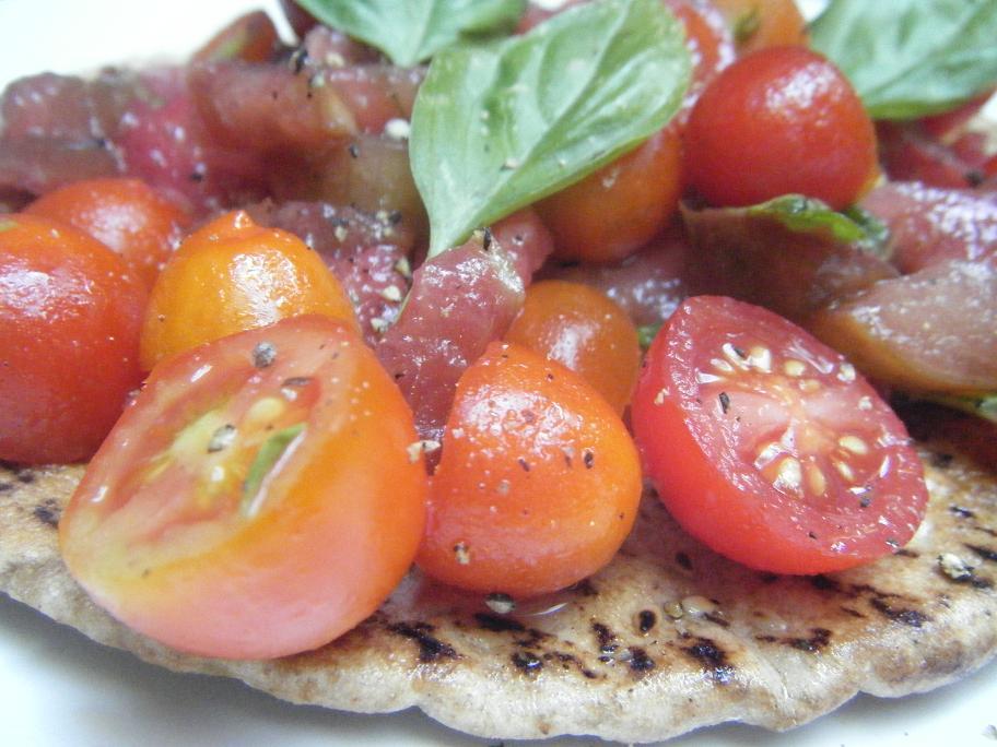 tomato and basil pitas